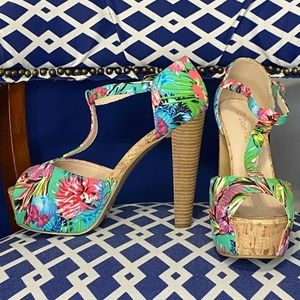 Floral tropical t-strap chunky ankle strap open peep toe platform heels